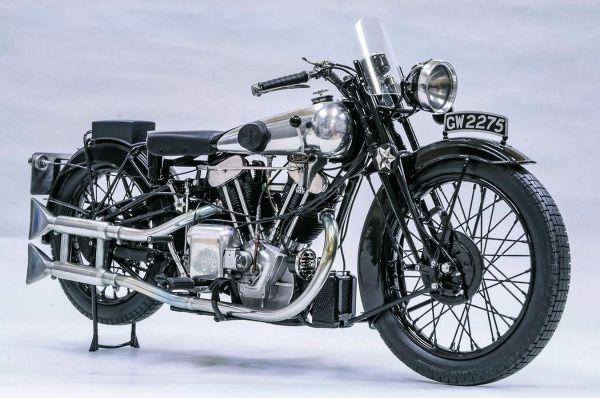 """Brough Superior SS100 classe 1925, """"la Rolls Royce delle motociclette"""" è la regina indiscussa delle aste di moto d'epoca"""