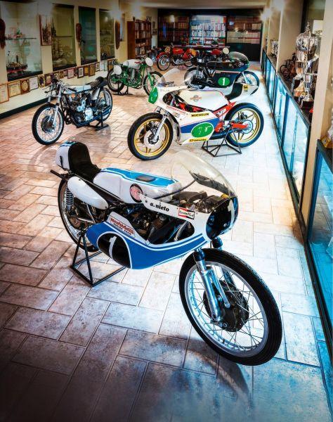 Luci e ombre dell'asta Bonhams di moto d'epoca, memorabile per quantità e qualità dei lotti